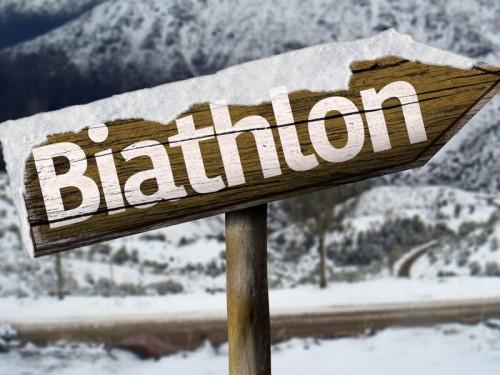 Schild zum Biathlon